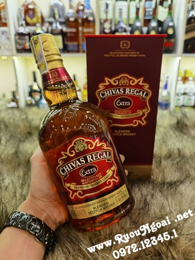 Rượu Chivas Regal Extra