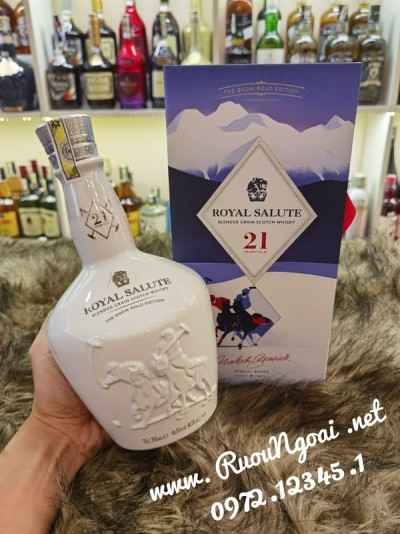 Rượu Chivas 21 The Snow Polo Edition